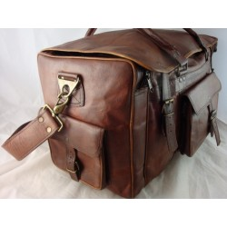 """XDU22 - 22"""" Deluxe Leather Travel Bag U Opening"""